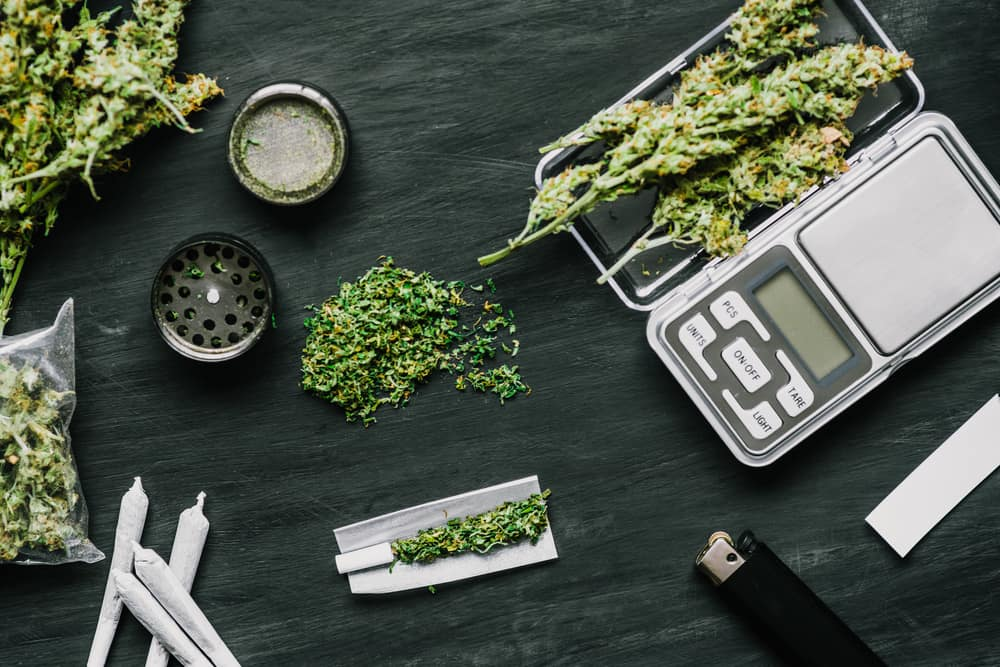 how many ounces in a pound of weed photo - 1