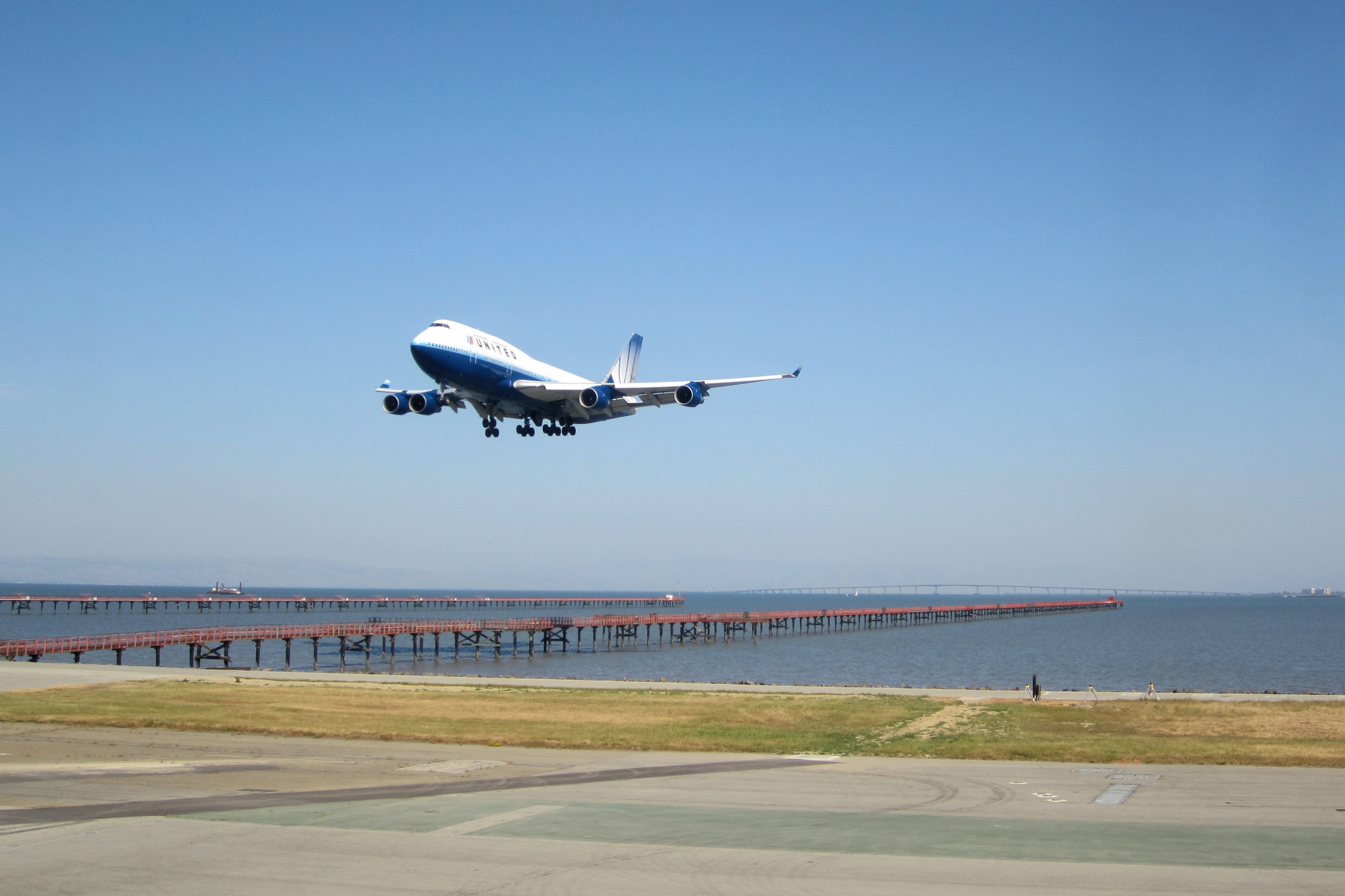 how many airports in san francisco photo - 1
