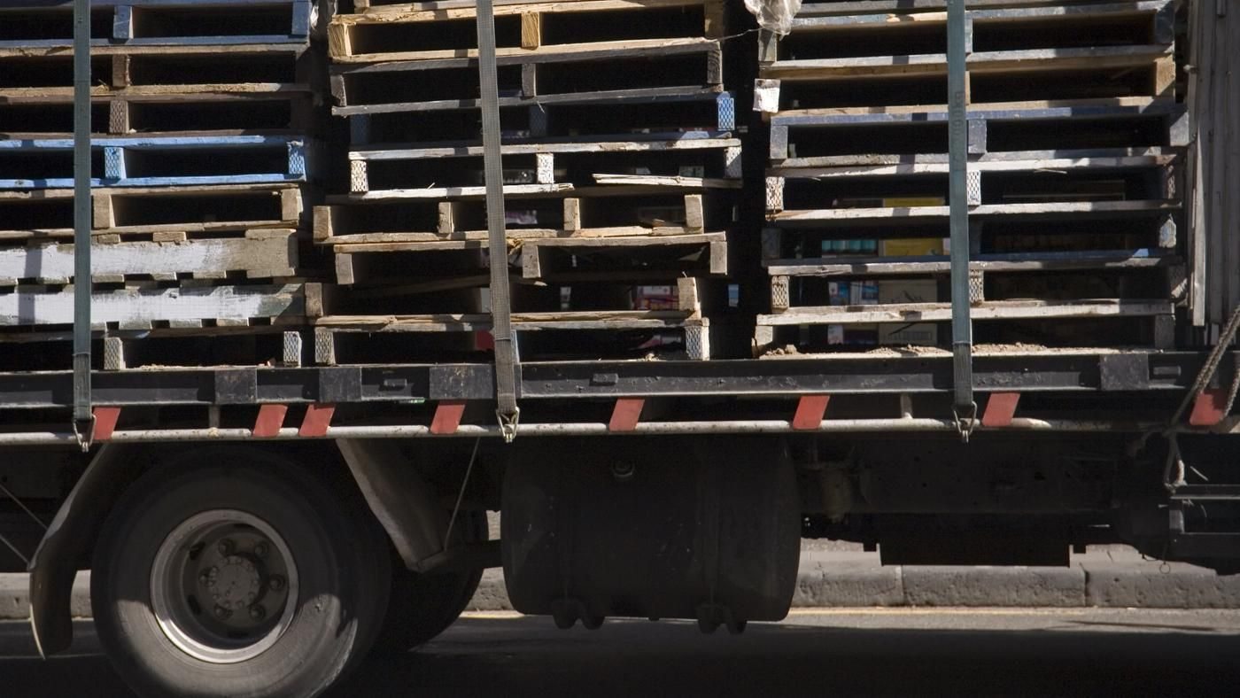 how many pallets fit in a 53 foot trailer photo - 1