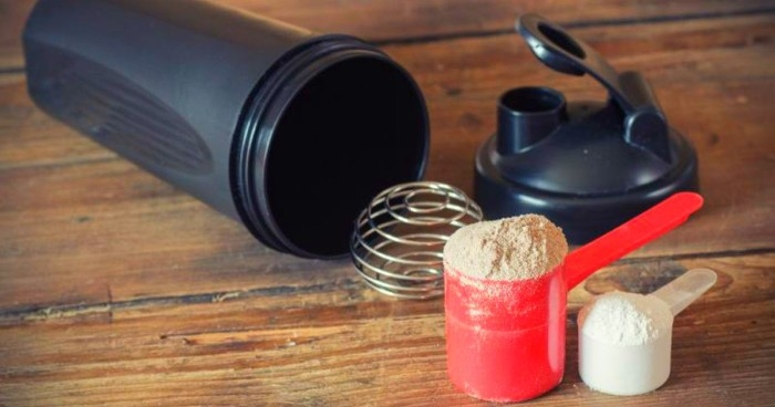 how many protein shakes should you drink a day photo - 1